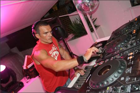 DJ Twill